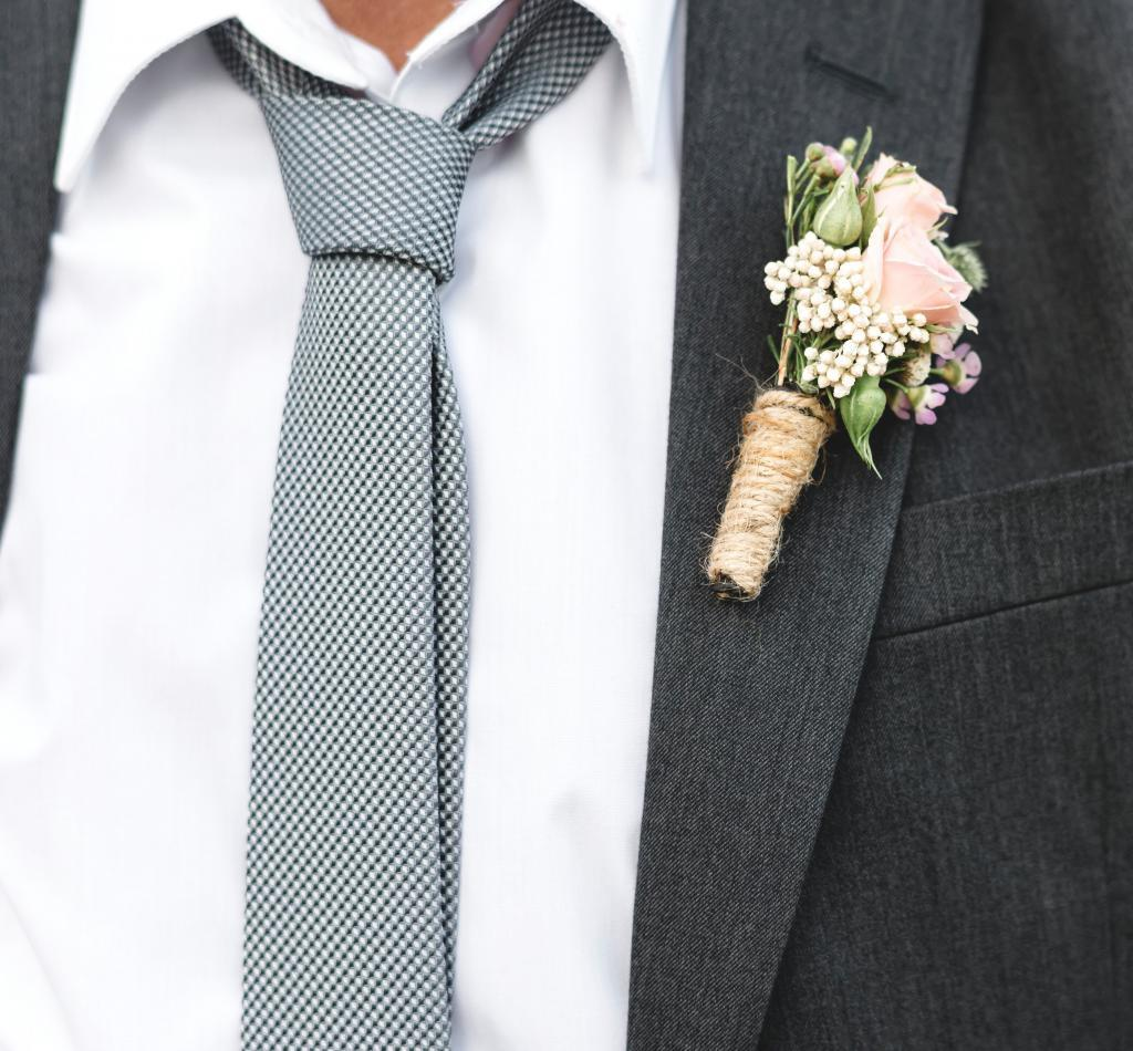 wedding planning, buttonholes