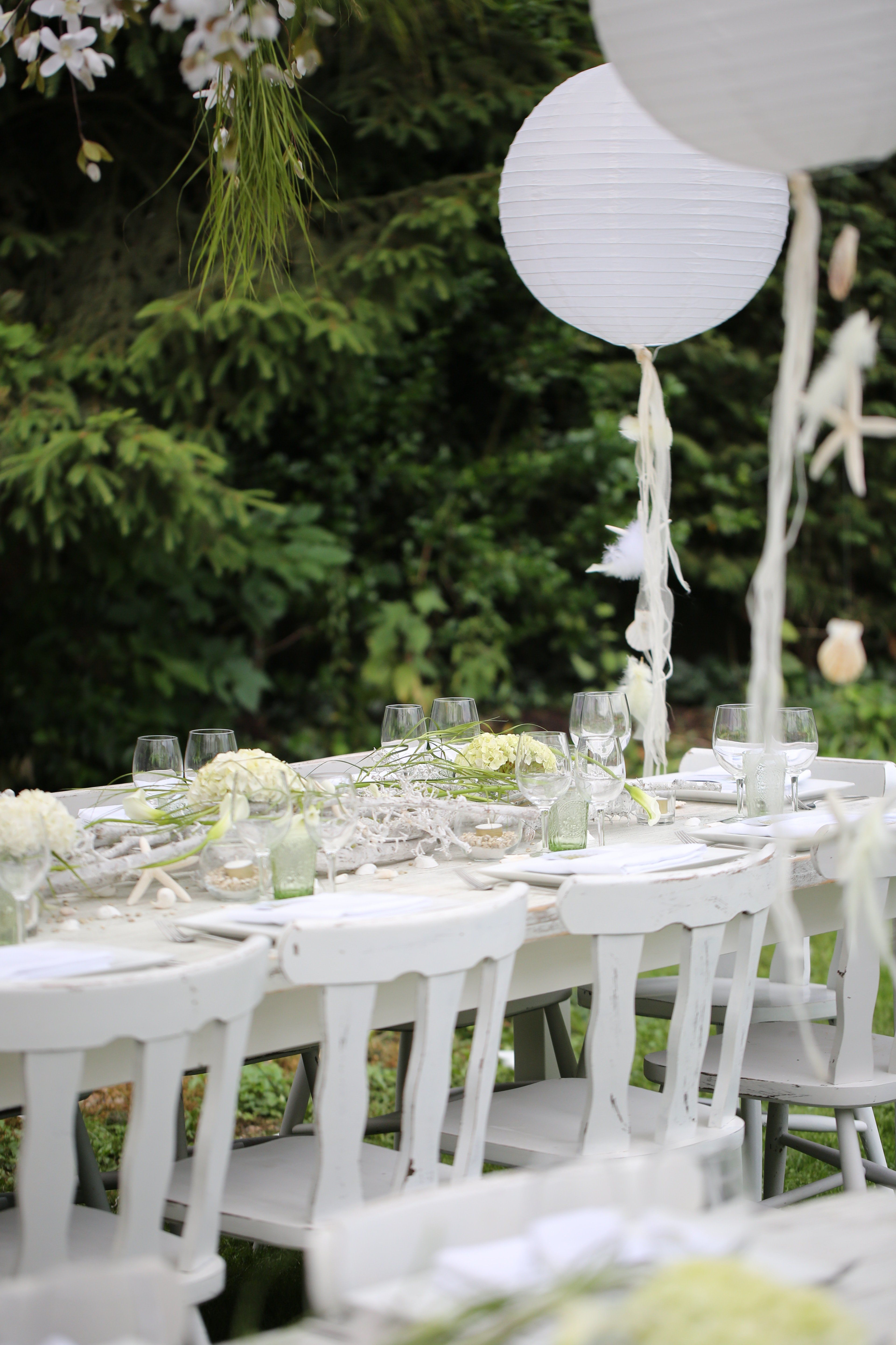 how to save money on a wedding