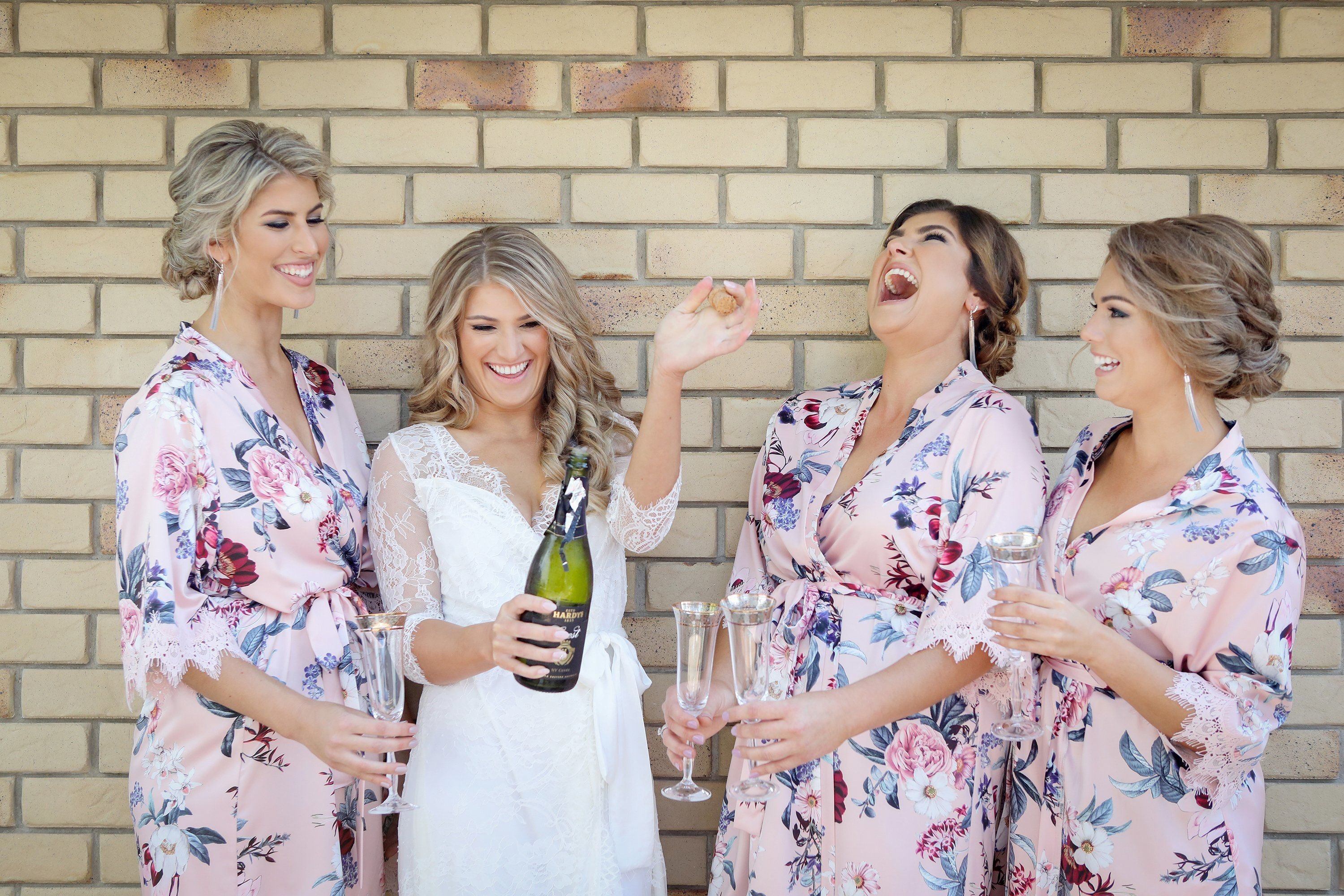bride & bridesmaids wedding morning