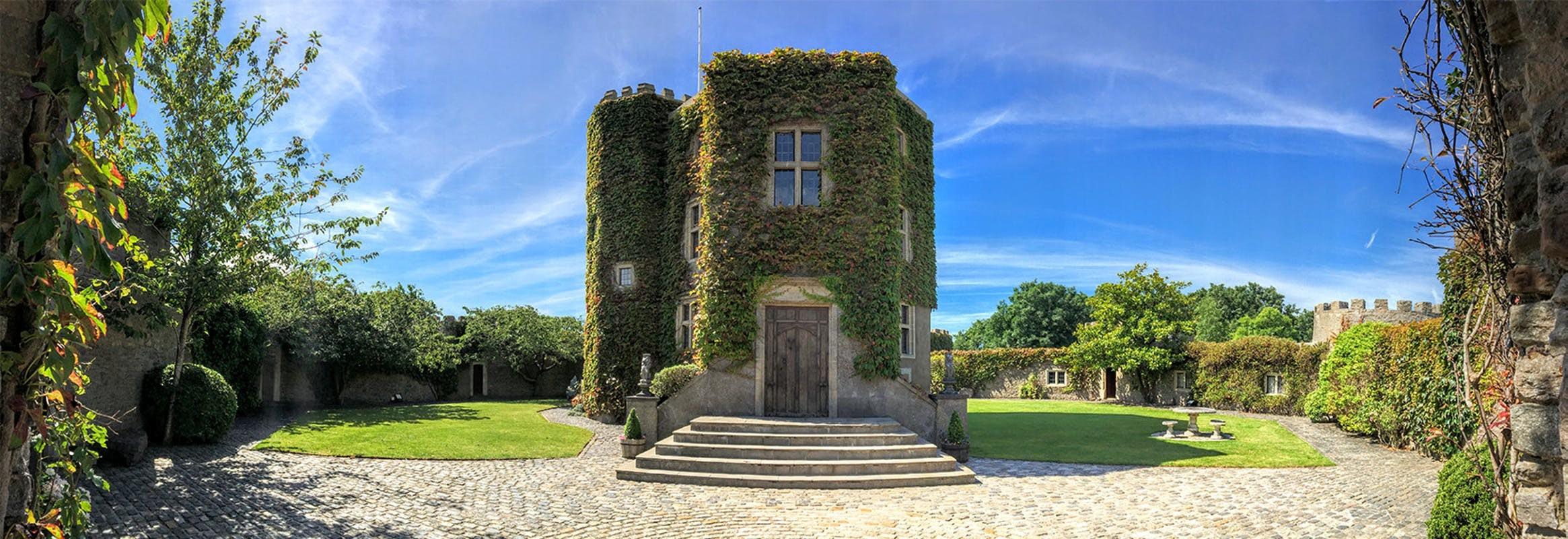 Castle wedding venues in Bristol