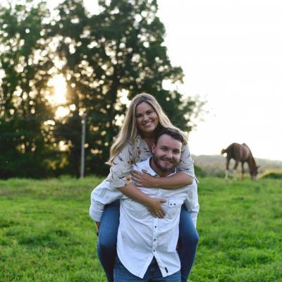 what not to wear for your engagement photos