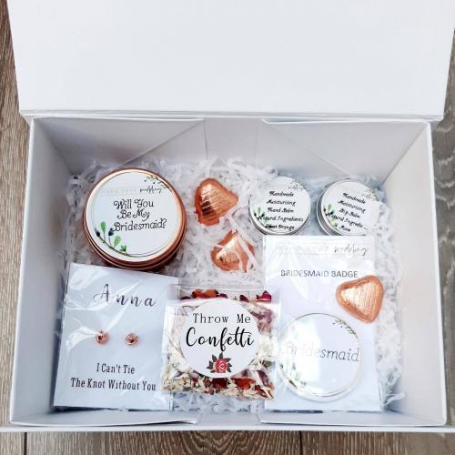 personalised bridesmaid boxes bridesmaid box fillers